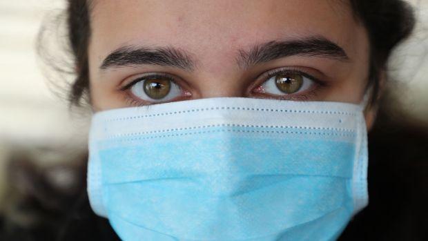 Purtarea mastilor de protectie devine obligatorie la Blaj, incepand de luni, 27 aprilie 2020